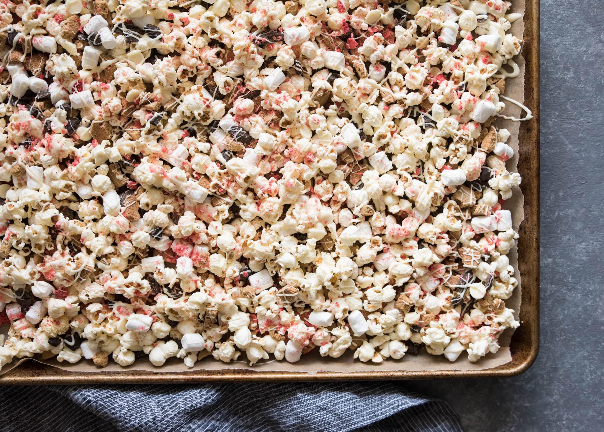 Strawberry Smores Mix | cookandsavor.com