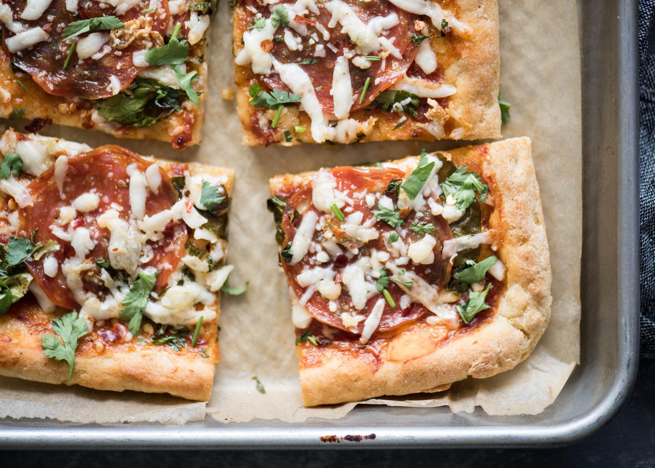 Sheet Pan Pizza | cookandsavor.com