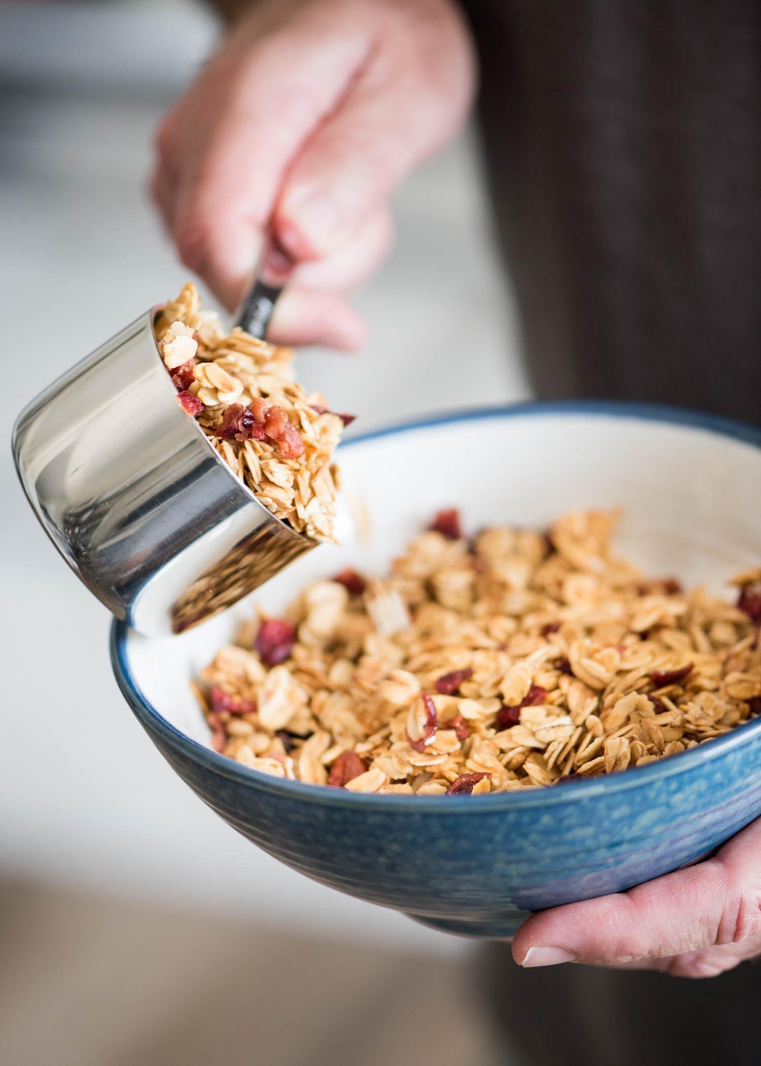Easy Homemade Granola | cookandsavor.com