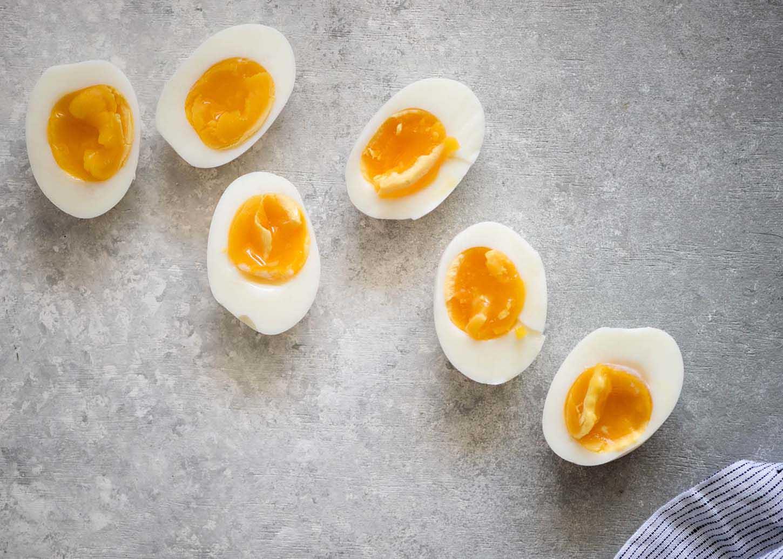 Easy Hardboiled Eggs | cookandsavor.com