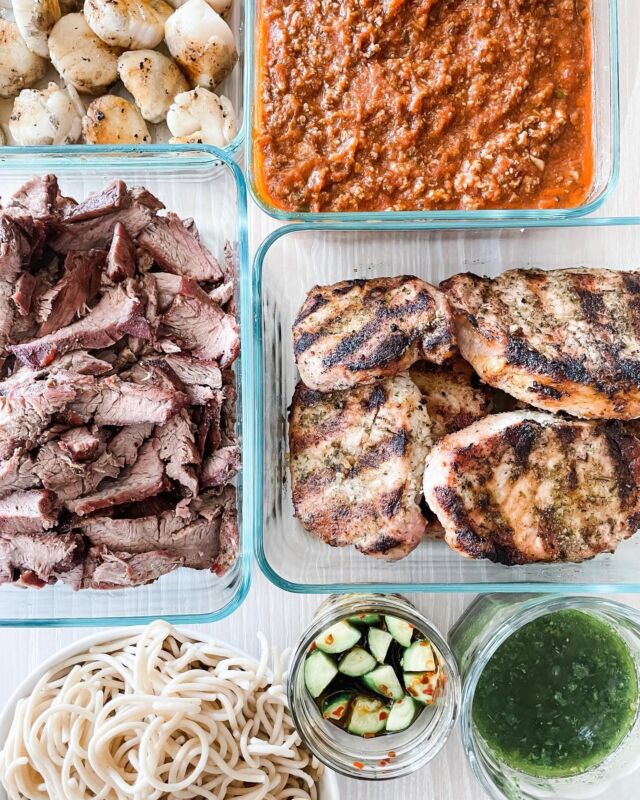 Meal prepped dinner phases today and got it done! It's been a challenge for me to meal prep the way I used to before so I utilized the grill to cook 3 different types of protein in 30 mins.   Clockwise from top left: scallops, bolognese, porkchops, chimichurri, picked cucumber, pasta and flank steak.   #mealprep #summermeals #quickandeasy #glutenfree